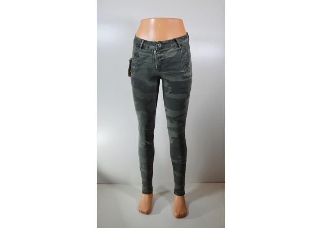 """Moteriški kamufliažiniai džinsai """"Dromedar"""""""